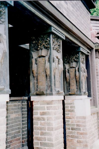 Frank Lloyd Wright Studio Pillars