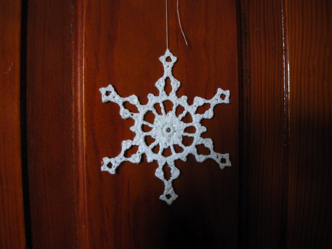 Snowflake in Crochet by Snowcatcher.